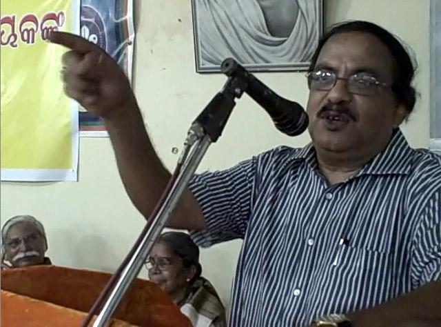 Dr Hara Prasad Paichha Pattnaik addressing the audience