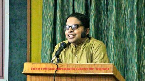 saswat addresses the audience