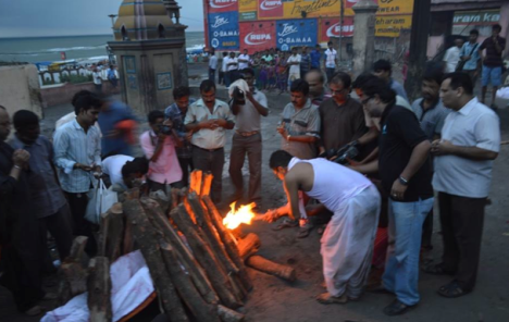 Pt. Raghunath Panigrahi on the pyre