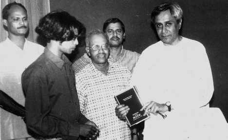 CM launches the book on cyclone 1999